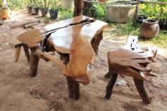ชุดโต๊ะไม้กันเกรา