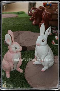 กระต่ายนั่งเซรามิก