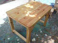 โต๊ะเก้าอี้ไม้