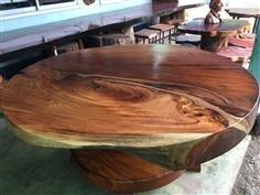 โต๊ะกลมมะค่า กว้าง1.50หนา5นิ้วครึ่ง