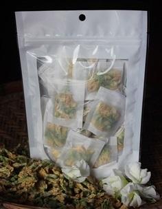 ชาดอกอัญชันขาว