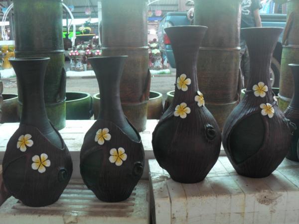 แจกันลายเปลือกไม้ติดดอกลีลาวดี5ดอก
