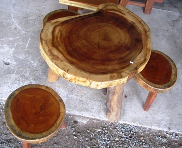 โต๊ะไม้ เก้าอี้ 3 ตัว 60x60cm. คลาสสิค