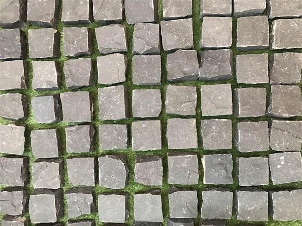 หินลูกเต๋าดำ 10x10x4 ซม. (บะซอลท์) ,,แผ่นทางเดิน