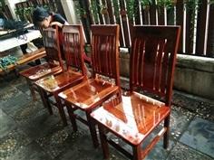 เก้าอี้ไม้ประดู่